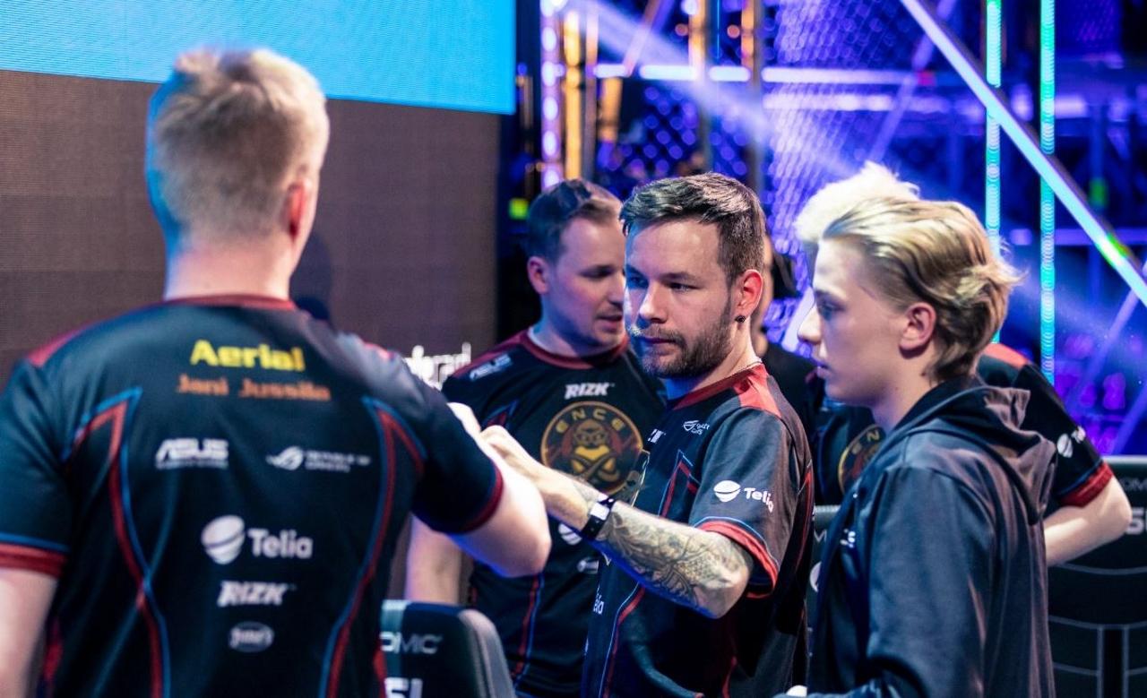 NaVi-and-ENCE-secure-semifinal-spots-at-IEM-Katowice-CSGO-Major